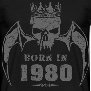 born_in_the_year_198015 T-Shirts - Männer T-Shirt