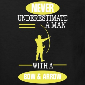 A MAN NEVER UNDERESTIMATE WITH BOW AND ARROW! Shirts - Kids' Organic T-shirt
