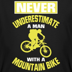 NEVER UNDERESTIMATE A MAN WITH MOUNTAIN BIKE! T-Shirts - Men's Organic T-shirt