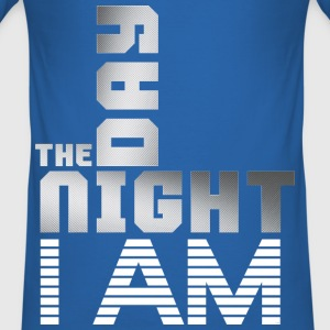 T SHIRT The Day The Night I am by Florian VIRIOT - Tee shirt près du corps Homme