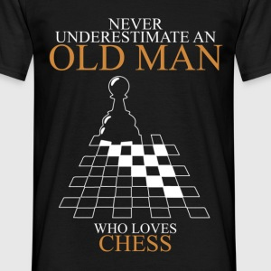 Never Underestimate An Old Man Chess.png T-Shirts - Men's T-Shirt
