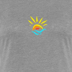 Sun and sunset over the sea in summer - Women's Premium T-Shirt