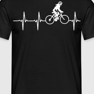 Cycling heartbeat woman - Men's T-Shirt