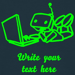 Robot using laptop - Männer T-Shirt