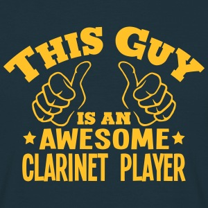 this guy is an awesome clarinet player - T-shirt Homme