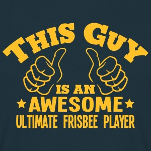 this guy is an awesome ultimate frisbee  - T-shirt Homme