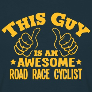 this guy is an awesome road race cyclist - T-shirt Homme