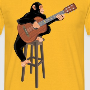 Monkey with acoustic guitar - Men's T-Shirt