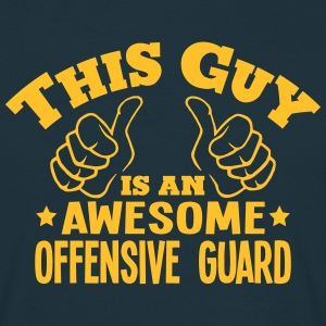 this guy is an awesome offensive guard - T-shirt Homme