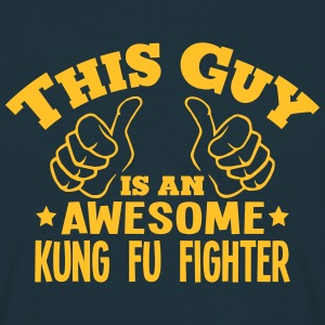 this guy is an awesome kung fu fighter - Men's T-Shirt