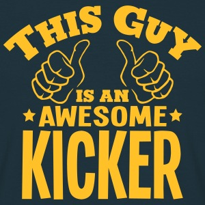 this guy is an awesome kicker - T-shirt Homme