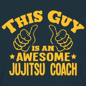 this guy is an awesome jujitsu coach - T-shirt Homme