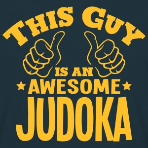 this guy is an awesome judoka - T-shirt Homme