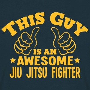 this guy is an awesome jiu jitsu fighter - Men's T-Shirt