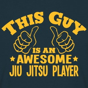 this guy is an awesome jiu jitsu player - Men's T-Shirt
