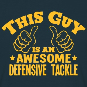 this guy is an awesome defensive tackle - T-shirt Homme