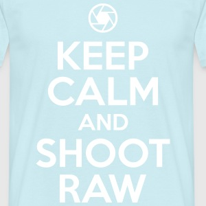 Fotograf: keep calm and shoot raw T-Shirts - Männer T-Shirt