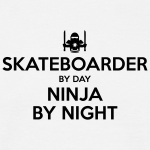 skateboarder day ninja by night - Men's T-Shirt