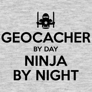 geocacher day ninja by night - Men's T-Shirt