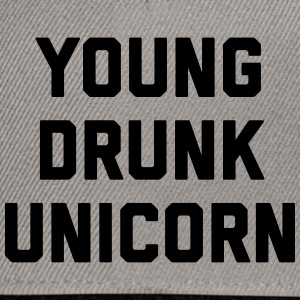 Young Drunk Unicorn Funny Quote Caps & luer - Snapback-caps