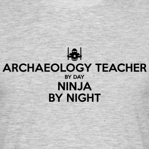 archaeology teacher day ninja by night - Men's T-Shirt