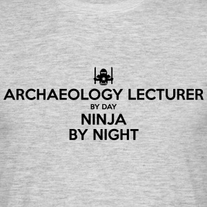 archaeology lecturer day ninja by night - Men's T-Shirt