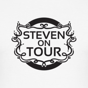 Steven on Tour Männer Slim Fit T-Shirt weiß - Männer Slim Fit T-Shirt