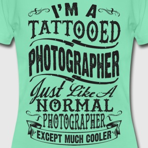 TATTOOED PHOTOGRAPHER WOMEN T-SHIRT - Women's T-Shirt