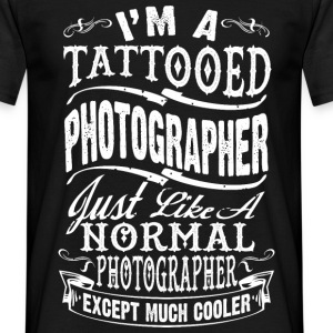 TATTOOED PHOTOGRAPHER MEN T-SHIRT - Men's T-Shirt