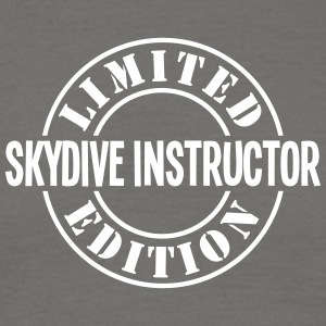 skydive instructor limited edition stamp - Men's T-Shirt