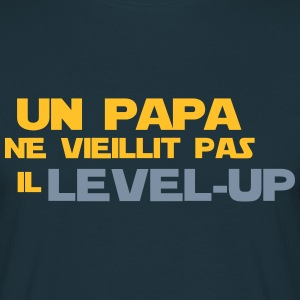 un papa ne vieillit pas il Level up - T-shirt Homme