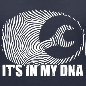 Mechaniker: It's in my DNA T-shirts - T-shirt med v-ringning dam