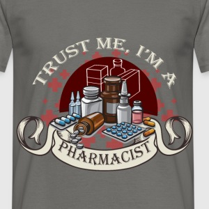 Trust me I'm a pharmacist - Men's T-Shirt