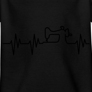 My heart beats for tailoring! I love tailoring! Shirts - Kids' T-Shirt