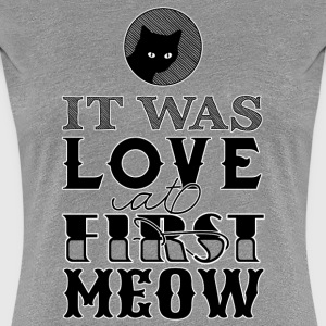 Love At First Meow / black (with a hint of white) T-Shirts - Frauen Premium T-Shirt