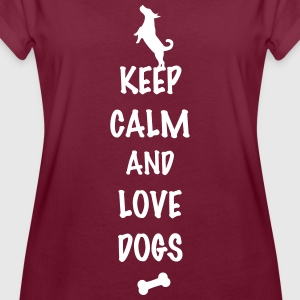 keep calm and love dogs T-Shirts - Frauen Oversize T-Shirt