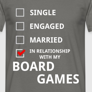 In relationship with my board games - Men's T-Shirt