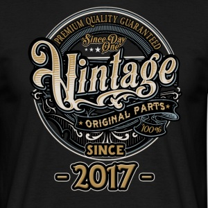 Day One Vintage since 2017 - Original Parts RAHMENLOS Birthday T-Shirts - Männer T-Shirt