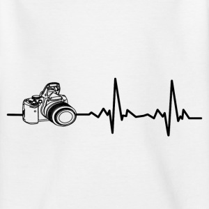 My heart beats for photography! I love photography! Shirts - Teenage T-shirt