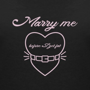 Marry me before I get fat T-Shirts - Women's V-Neck T-Shirt