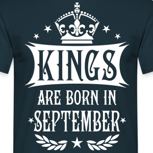 Kings are born in September Krone King T-Shirt - Männer T-Shirt