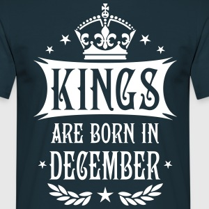 Kings are born in December Krone King T-Shirt - Männer T-Shirt