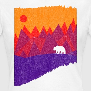 Hear the mountains' call - Women's T-Shirt