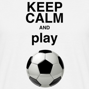 MännerShirt Keep calm and play soccer - Männer T-Shirt