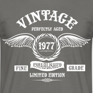 Vintage Perfectly Aged 1977 T-Shirts - Men's T-Shirt
