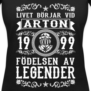 1999 - 18 ar - Legender - 2017 - SE T-Shirts - Women's V-Neck T-Shirt