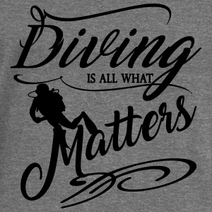 Diving is all what matter-2017 Pullover & Hoodies - Frauen Pullover mit U-Boot-Ausschnitt von Bella