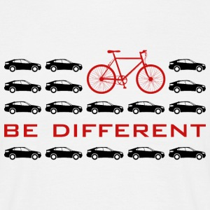 be different Auto vs Fahrrad Bike individuell - Männer T-Shirt