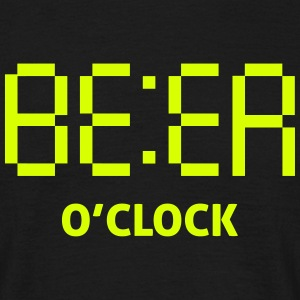beer o clock T-Shirts - Men's T-Shirt