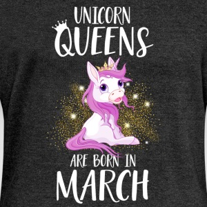 UNICORN QUEENS ARE BORN IN MARCH Pullover & Hoodies - Frauen Pullover mit U-Boot-Ausschnitt von Bella